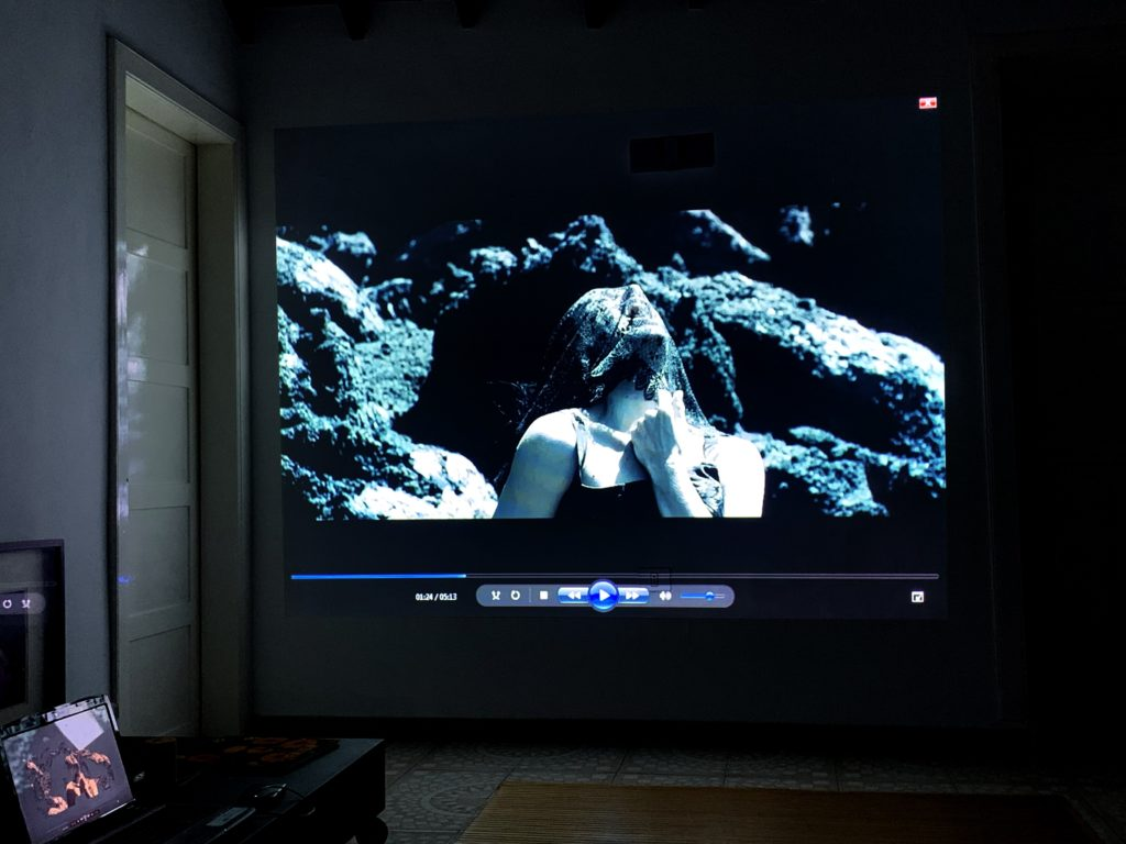 Peinture Pour Ecran Retroprojecteur peinture de projection: élément indispensable pour une image